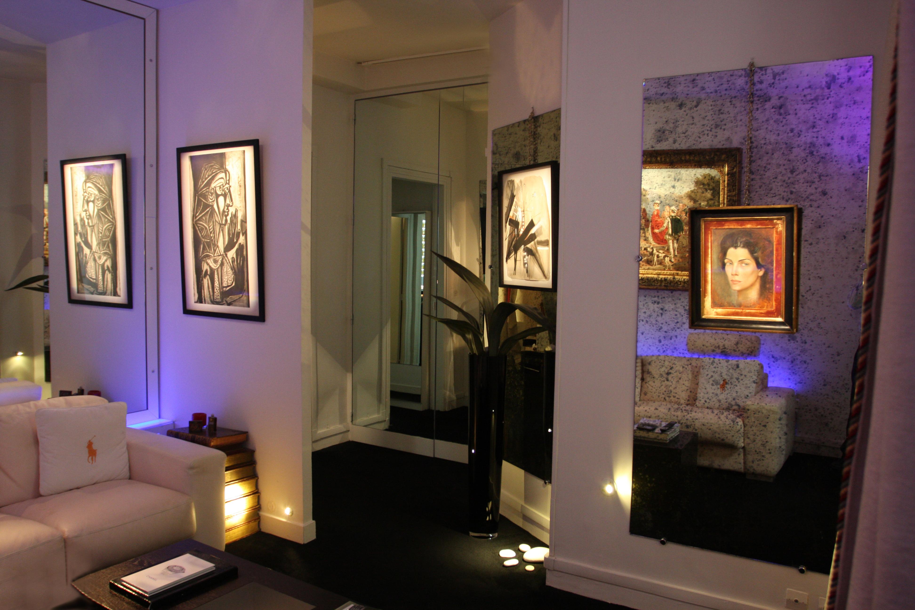 particulier eclairage de tableau. Black Bedroom Furniture Sets. Home Design Ideas