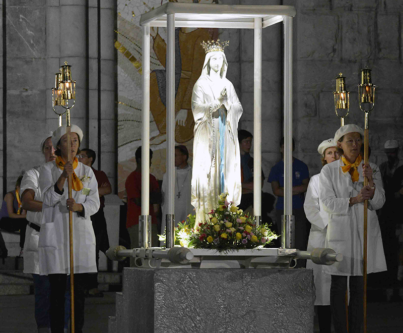 Virgin of procession in Lourdes 2