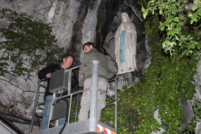 Restauration des éclairages de la grotte de Lourdes 1